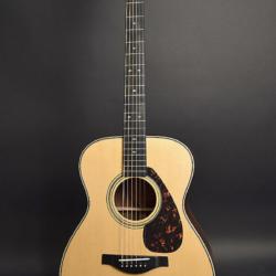 Guitarra de cuerdas de acero Yamaha LS26 + estuche Luxus