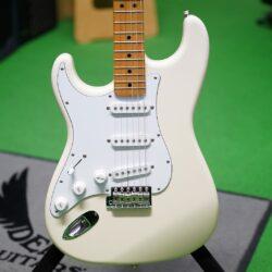 Fender FSR Classic 68 Stratocaster®, lefthand, MN, Vintage White, Made in Japan