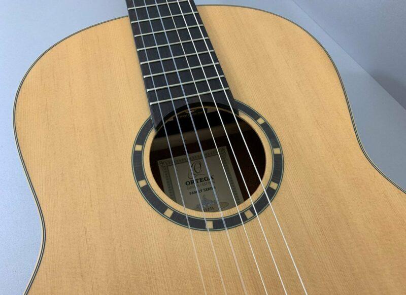 Ortega R121L Natural Lefthand Klassikgitarre Linkshänder