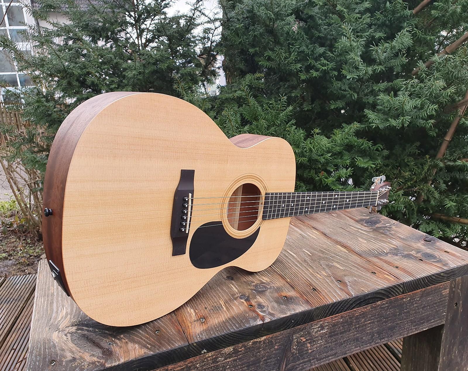 Sigma Guitars 000-ME+ on OhGuitar.com