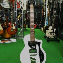 Supro 1224DBHT Limited Edition David Bowie 1961 Dual Tone Hardtail