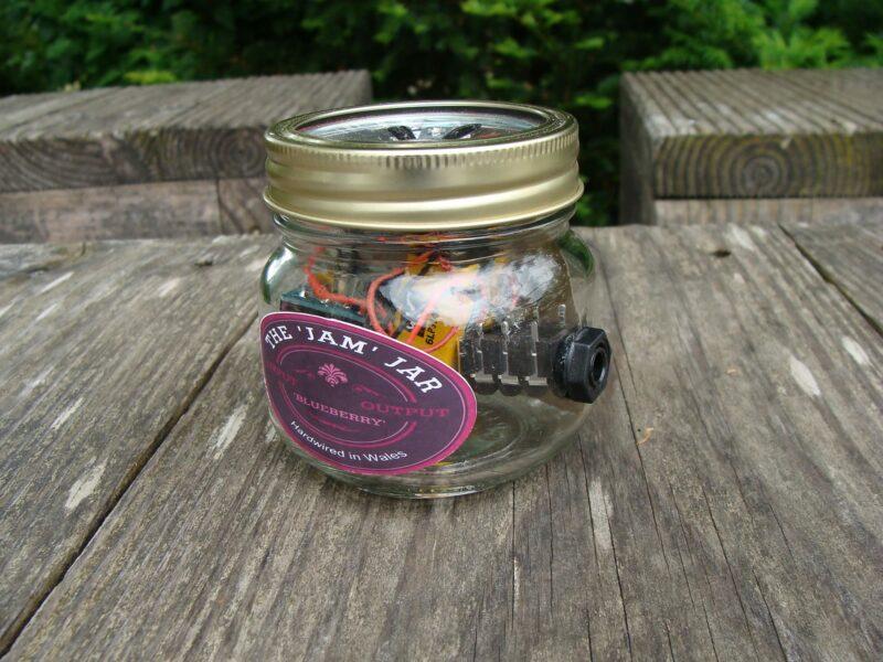 The Jam Jar Blueberry Amp 1,25 Watt, Handwired bei J´s Guitar Shop
