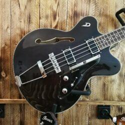 Duesenberg Fullerton 4-String Bass, Trans Black incl. Case