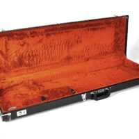 Fender deluxe case for Jazz Bass®/Jaguar Bass, black tolex & orange plush interio