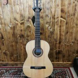 Höfner HF-15 Classical Guitar