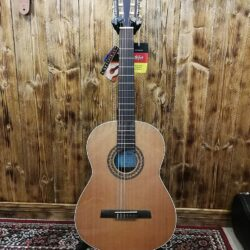 Höfner HZ-25 Classical Guitar