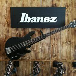 Ibanez RD300 Roadgear 4-String Bass, 2nd hand Bass