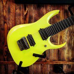Ibanez RGDR7UCS-DYF Prestige E-Guitar 7-String Desert Sun Yellow + Case