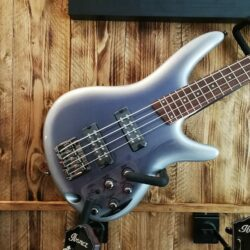 Ibanez SR300E-NST SR-Series E-Bass 4 String Night Snow Burst
