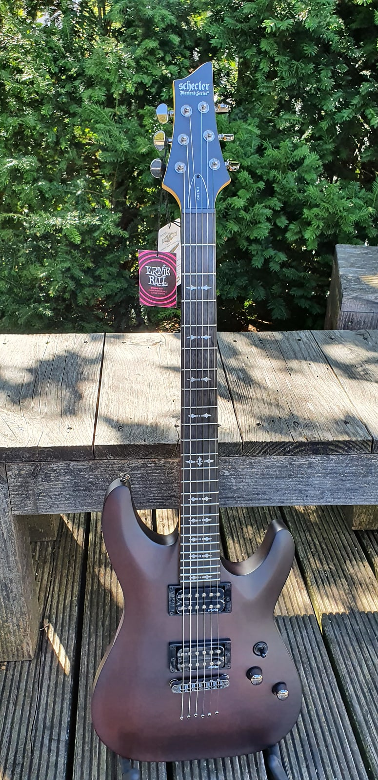 SCHECTER E-Gitarre, Omen 6, Walnut Satin