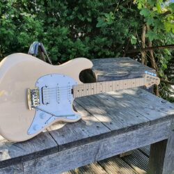 STERLING E-Gitarre, S.U.B., Cutlass HSS, Vintage Cream