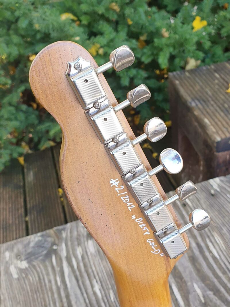 """serpent t style """" dirty gold"""" aged 2 ohguitar"""