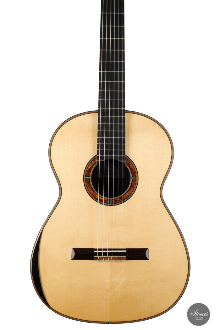 Classical guitar Philipp Neumann 2021 2