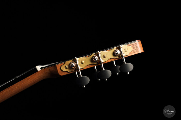 Classical guitar Philipp Neumann 2021 20